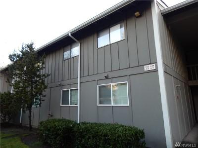 Bremerton Condo/Townhouse For Sale: 3206 Pine Rd NE #D6