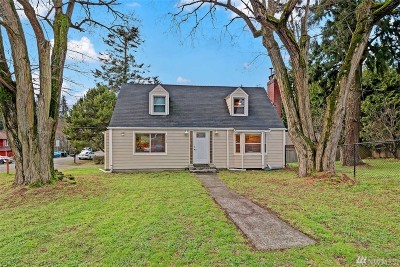 Seattle Single Family Home For Sale: 1048 NE 117th St