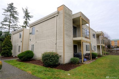 Everett Condo/Townhouse For Sale: 307 128th St SE #C105