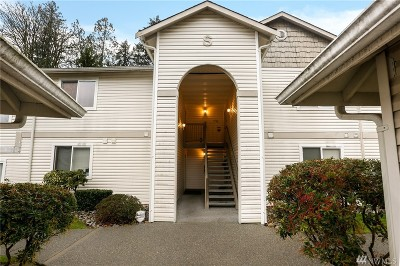 Bothell Condo/Townhouse For Sale: 2201 192nd St SE #S202
