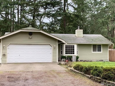 Gig Harbor Single Family Home Pending Inspection: 10715 NW 131st St Ct