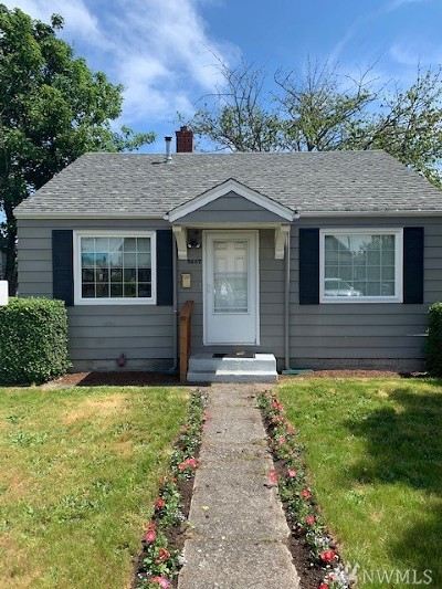 Single Family Home For Sale: 5827 S Warner St