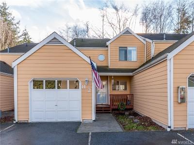 Oak Harbor Condo/Townhouse Pending: 1250 SW Heller St #H2