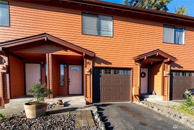Oak Harbor WA Condo/Townhouse For Sale: $205,000