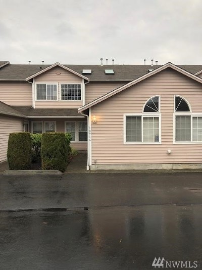 Puyallup Condo/Townhouse For Sale: 10916 63rd St E