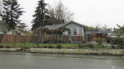 Everett Single Family Home For Sale: 7406 Olympic Dr