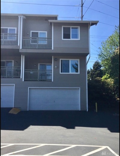 Everett Condo/Townhouse For Sale: 901 E Marine View Dr #107