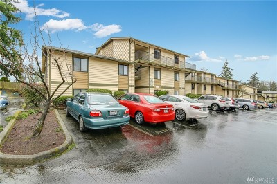 Lynnwood Condo/Townhouse For Sale: 15416 40th Ave W #3