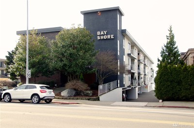 Condo/Townhouse Sold: 6421 Lake Washington Blvd NE #406