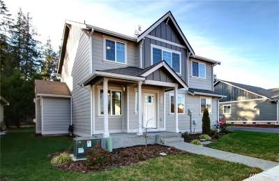 Burlington Single Family Home For Sale: 151 Betty Ct