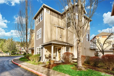 Sammamish Condo/Townhouse For Sale: 514 224th Place NE