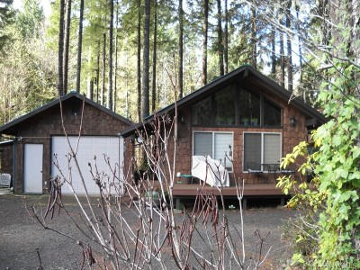 Hoodsport Single Family Home For Sale: 570 N Duckabush Dr W