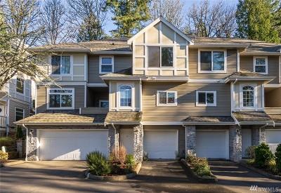Bellevue WA Condo/Townhouse For Sale: $520,000