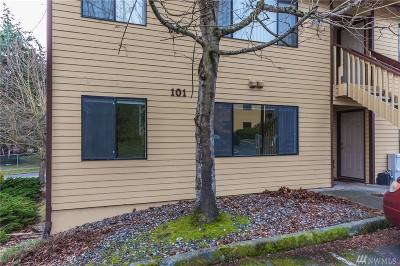 Oak Harbor WA Condo/Townhouse For Sale: $130,000