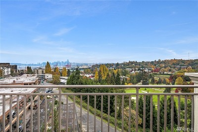 Seattle Condo/Townhouse For Sale: 3221 SW Avalon Wy #204