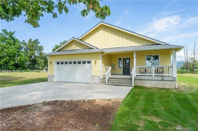 Sumas Single Family Home For Sale: 720 Dow St