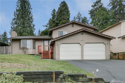 Edmonds Single Family Home For Sale: 24317 76th Ave W