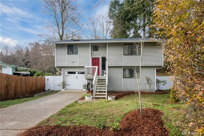 Bremerton Single Family Home For Sale: 7585 Auklet Place NE