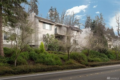 Bellevue Condo/Townhouse For Sale: 3930 Lake Washington Blvd SE #8D