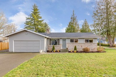 Lynnwood Single Family Home For Sale: 14323 Meadow Rd