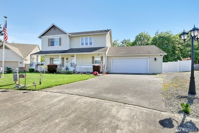 Puyallup Single Family Home For Sale: 402 17th Av Ct SW