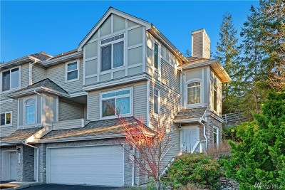 Bellevue WA Condo/Townhouse For Sale: $589,500