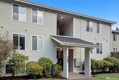 Bellevue Condo/Townhouse For Sale: 4183 W Lake Sammamish Pkwy SE #B104