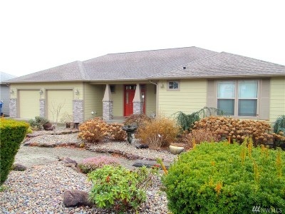 Single Family Home For Sale: 2704 Tweed Ct