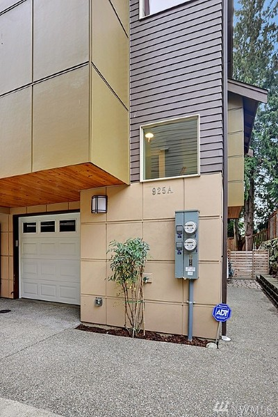 Seattle Single Family Home For Sale: 925 N 85th St #A
