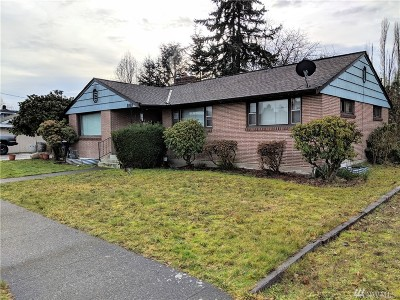 Pierce County Single Family Home For Sale: 1010 Willow St