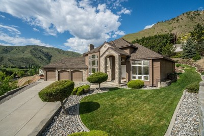 Chelan County Single Family Home For Sale: 752 Castle Heights Dr