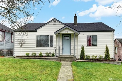 Everett Single Family Home For Sale: 1912 Summit