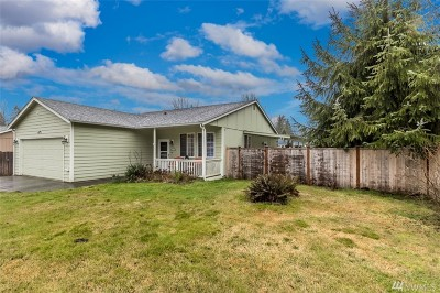 Single Family Home For Sale: 25204 39th Ave E
