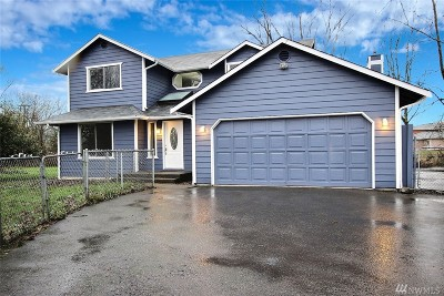 Puyallup Single Family Home For Sale: 2426 E Pioneer Ave