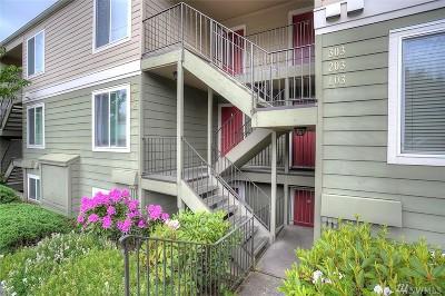 Renton Condo/Townhouse For Sale: 3233 NE 12th St #203