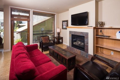 Chelan County Condo/Townhouse For Sale: 2220 W Woodin Ave #101