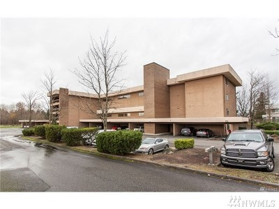 Skagit County Condo/Townhouse Pending: 2021 N Laventure Rd #206