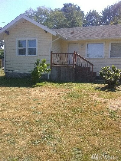 Stanwood Single Family Home Contingent: 8000 Lakewood Rd