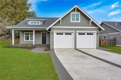 Lynden Single Family Home Pending: 1641 Scenic Place