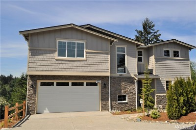 Snohomish County Single Family Home For Sale: 1405 242nd Place SE