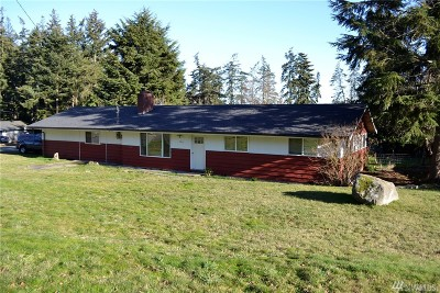 Oak Harbor Single Family Home For Sale: 2615 Olympic Dr