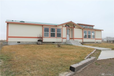 Moses Lake Single Family Home For Sale: 1241 NE Hiawatha Est Rd