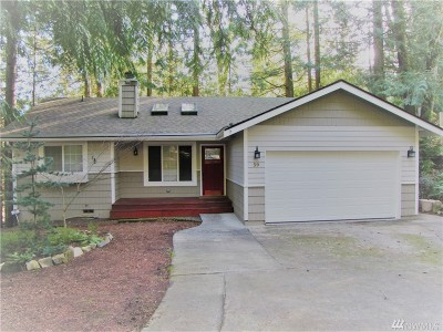Bellingham Single Family Home For Sale: 59 Deer Run Lane