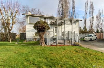 Single Family Home For Sale: 705 23rd St NW