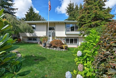 Lynnwood Single Family Home For Sale: 17504 52nd Ave W