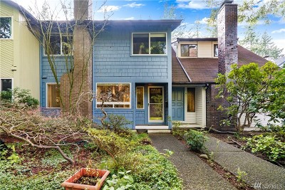 Olympia Condo/Townhouse Pending: 1801 Evergreen Park Ct SW #5