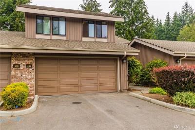 Bellevue Condo/Townhouse For Sale: 161 142nd Place NE