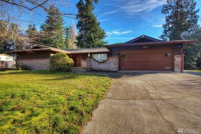 Puyallup Single Family Home For Sale: 15519 Woodland Ave E