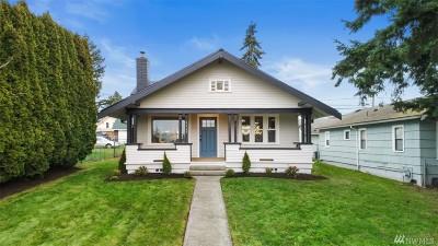 Everett Single Family Home For Sale: 1117 Maple St