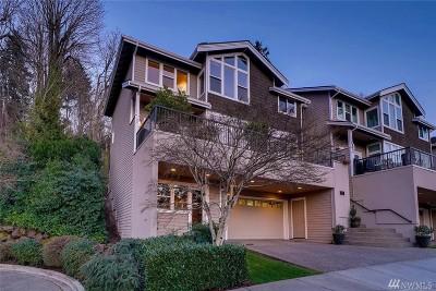 Bellevue Condo/Townhouse For Sale: 4020 Lake Washington Blvd SE